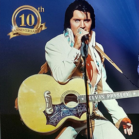 The smash hit Elvis Presley show, starring Rob Kingsley.
